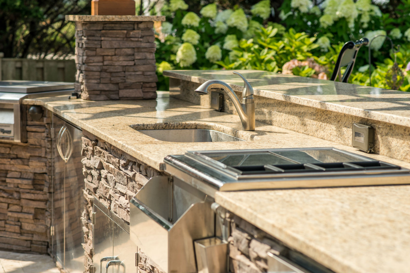 Are you ready for an outdoor kitchen outdoor living for Ready made outdoor kitchen